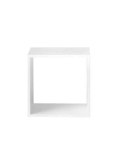 Estante Stacked medium white con fondo Muuto