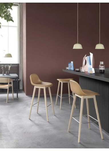 Bar chair with upholstered fiber Muuto