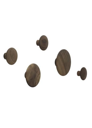 Colgadores Dots walnut de Muuto